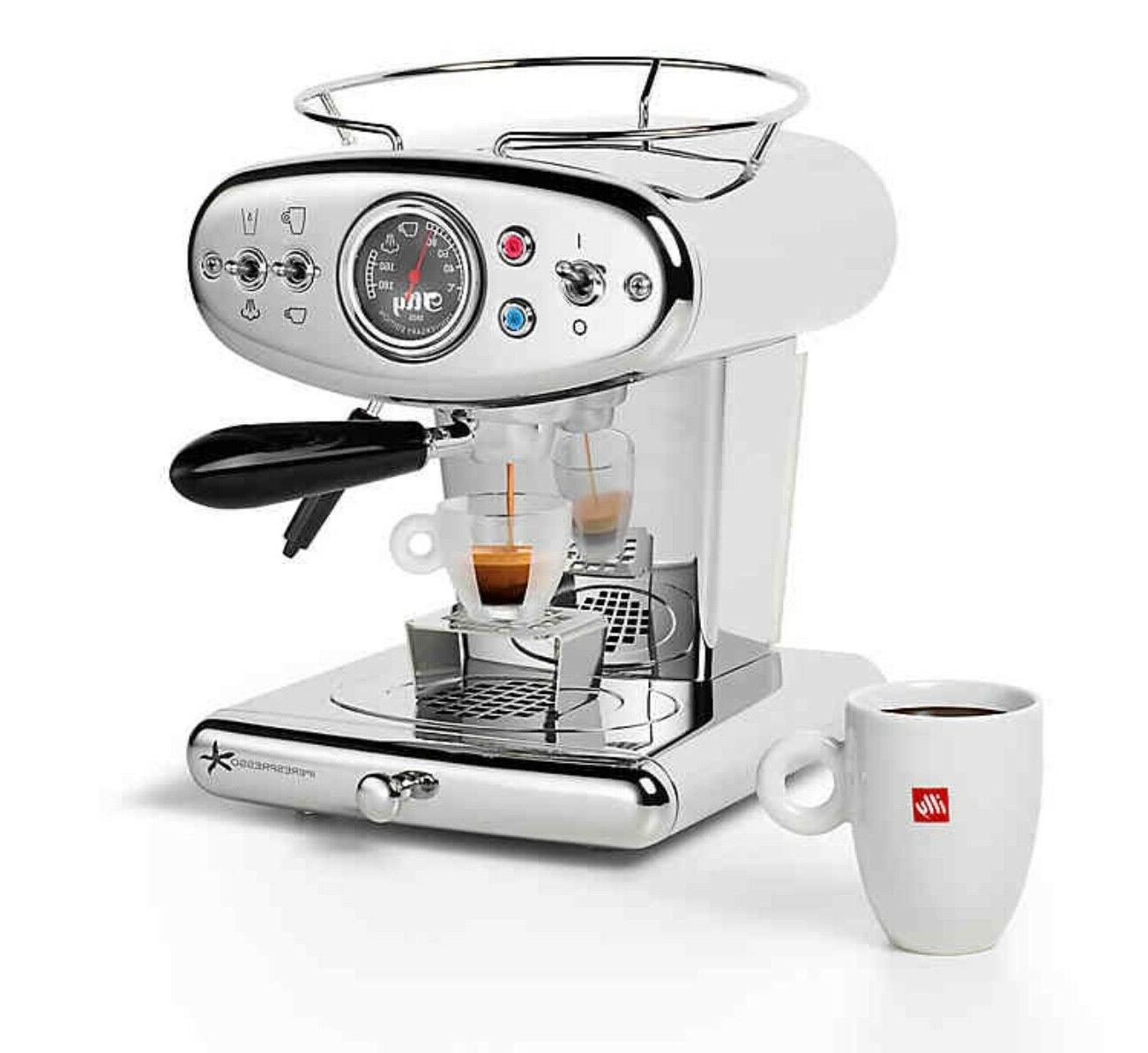 illy® Serve Espresso Maker in Black