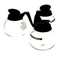 Bloomfield REG8903BL3, Decanter, W/Black Handle 3Pk